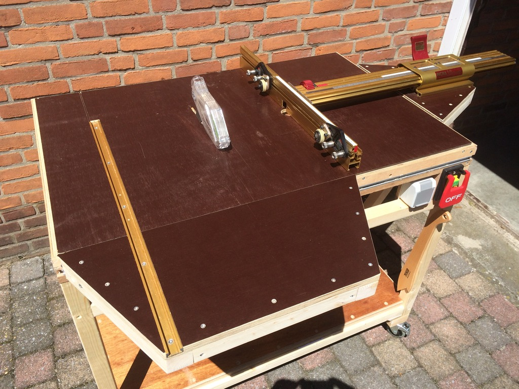 Diy saw router table with cs70 incra miter and incra ls positioner the old saw router table keyboard keysfo Image collections